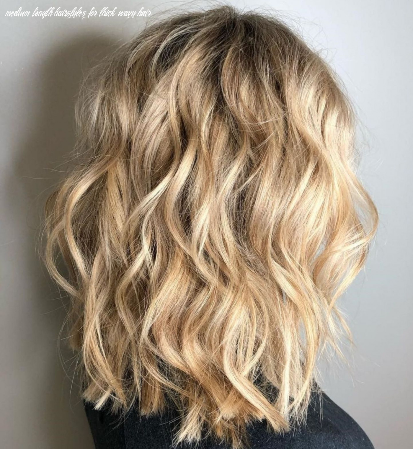 8 Most Magnetizing Hairstyles for Thick Wavy Hair (With images ...