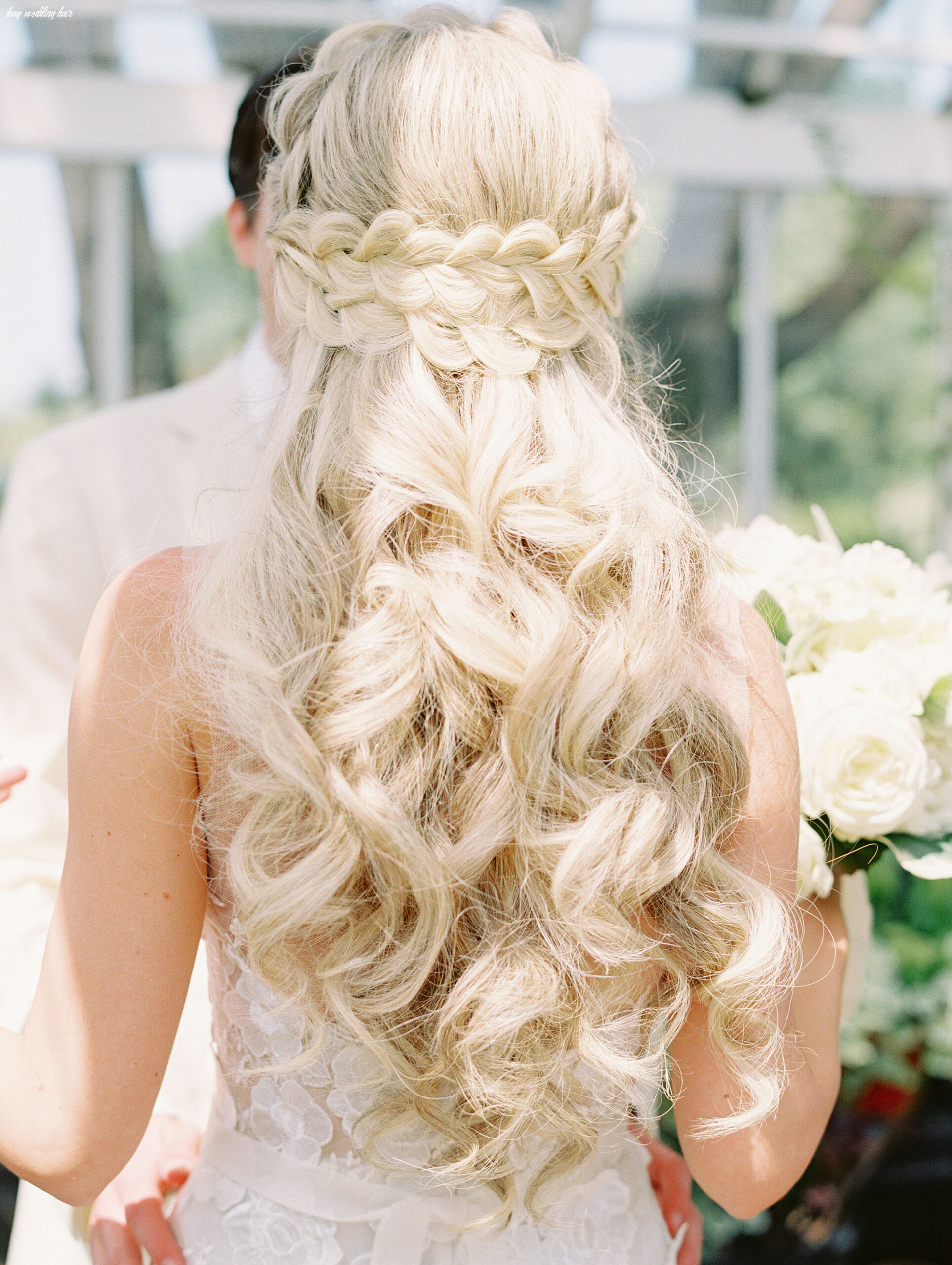8 pretty wedding hairstyles for brides with long hair   martha