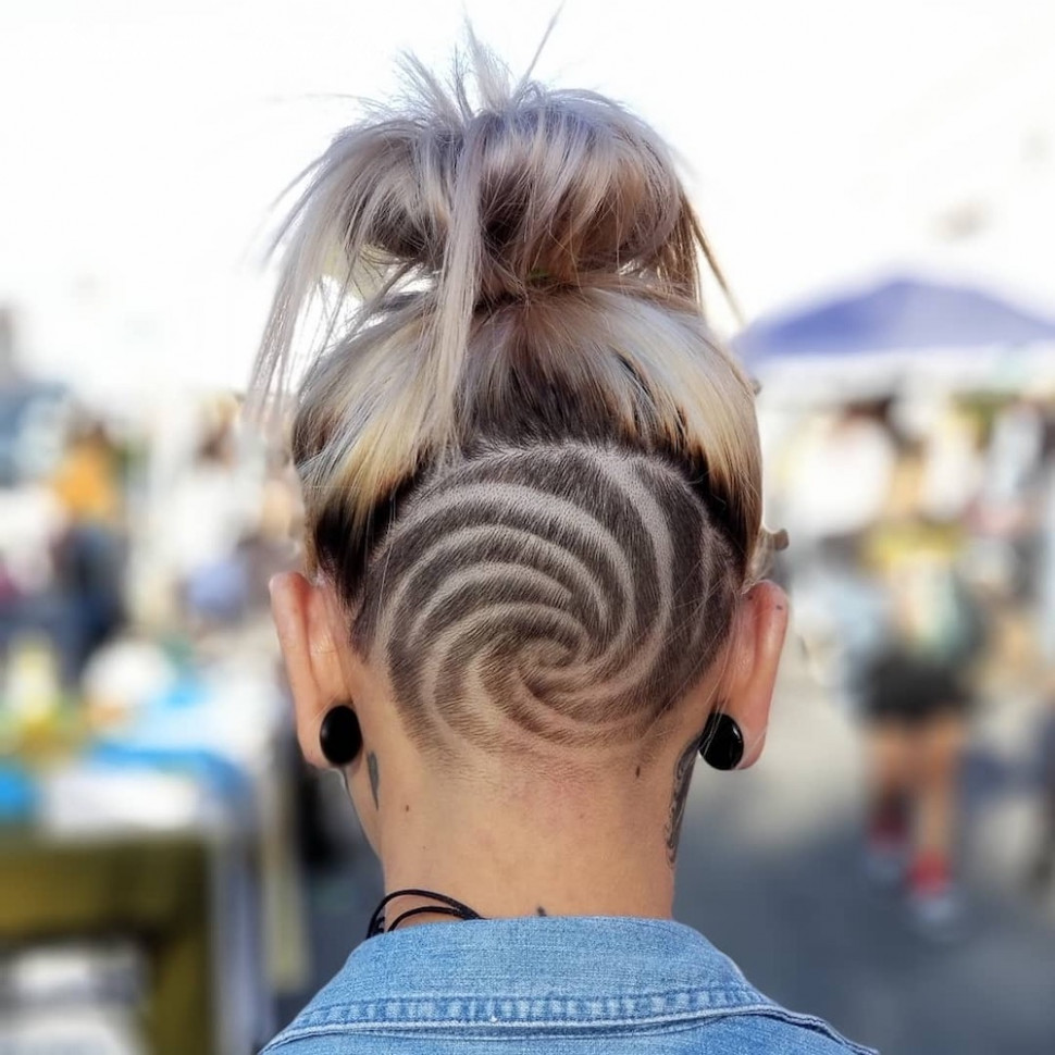 8 undercut hairstyles for women that are a party in the back