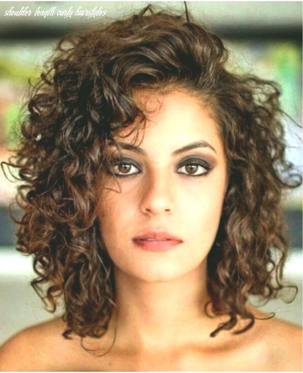 9 Chic Curly Hairstyles To Make You Look More Charming - Fashions ...