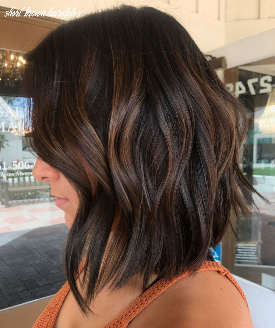 9 hairstyles featuring dark brown hair with highlights (with