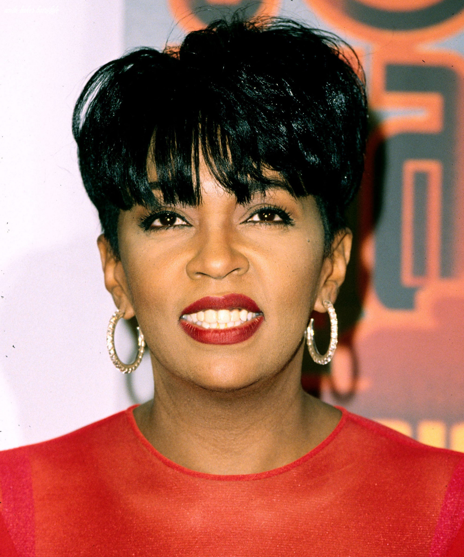 Anita baker was the pioneer of the short pixie haircut anita baker hairstyle