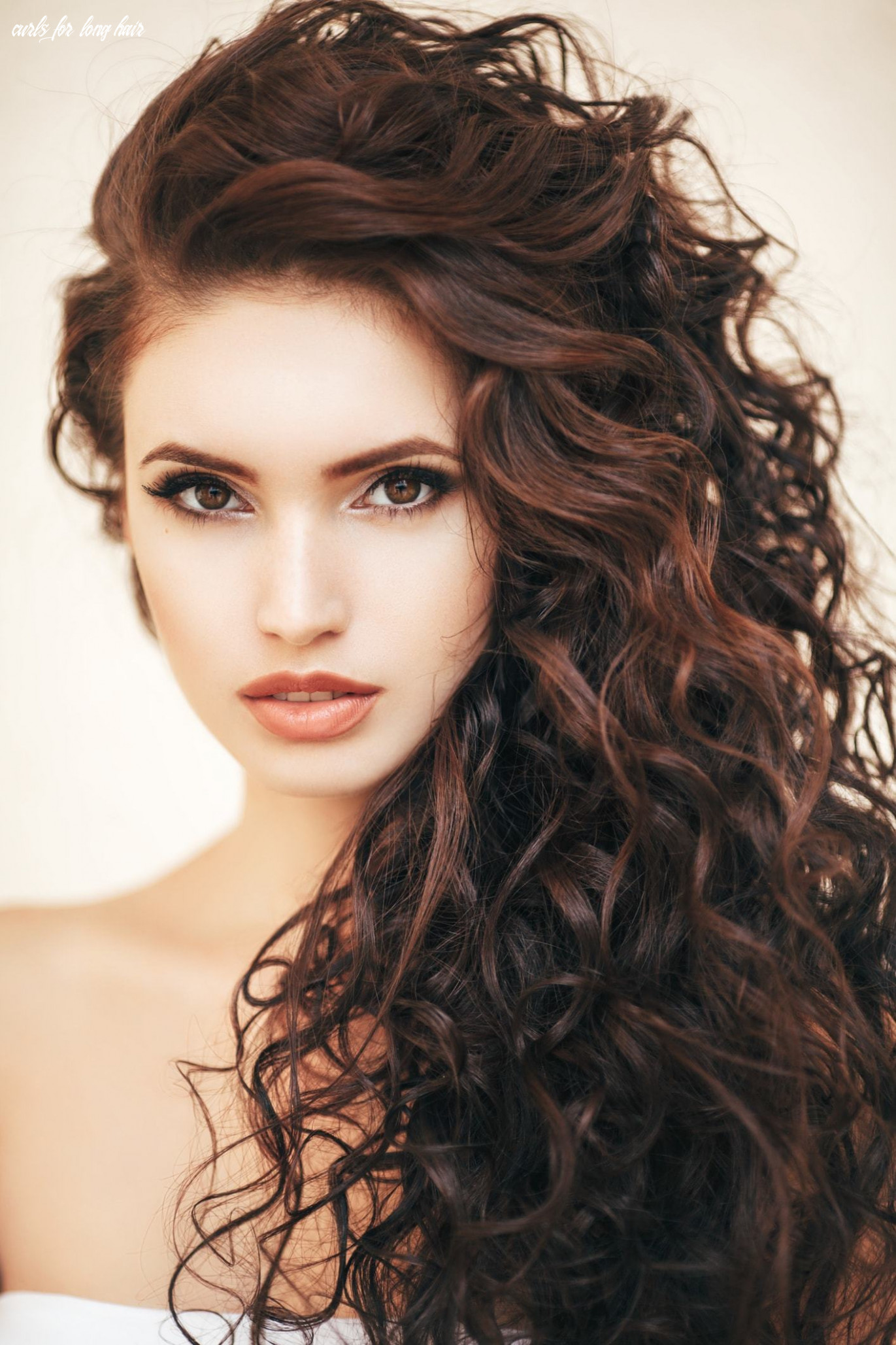 Curly hairstyles for long hair: 9 styles to consider curls for long hair