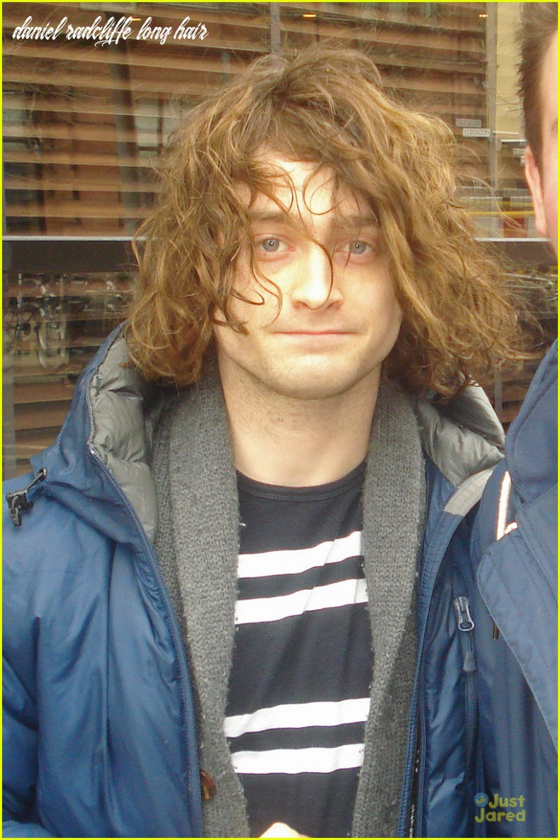 Full Sized Photo of daniel radcliffe covers long hair with topper ...