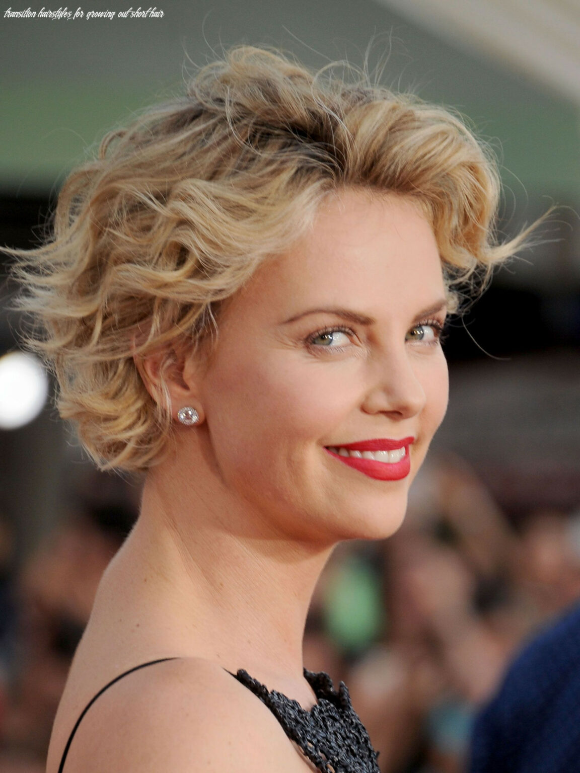 8 Transition Hairstyles For Growing Out Short Hair ...