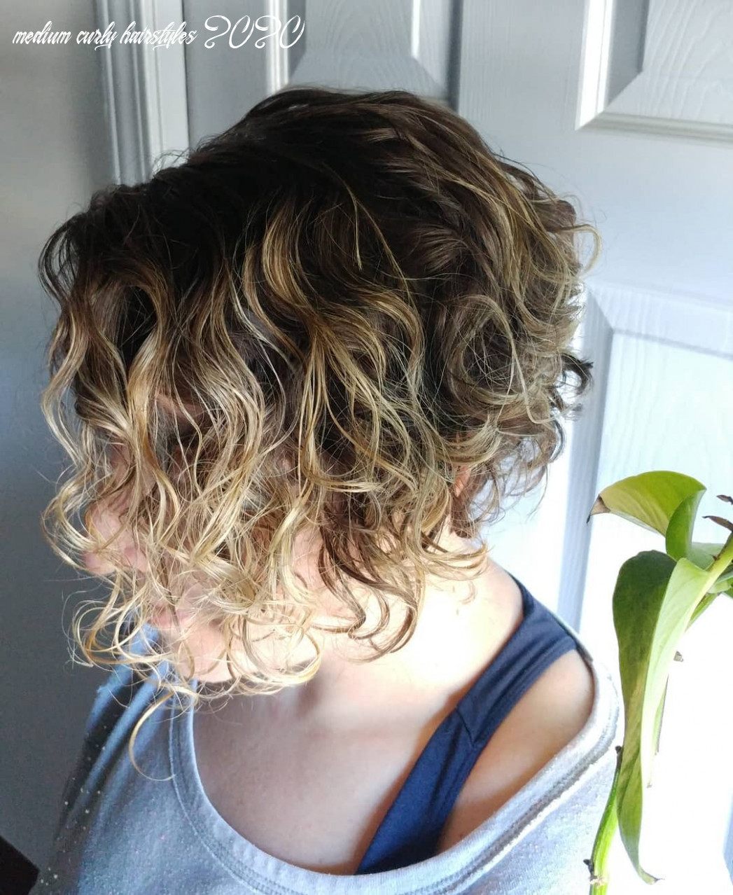 Long curly hairstyles 10 medium curly hairstyles 2020