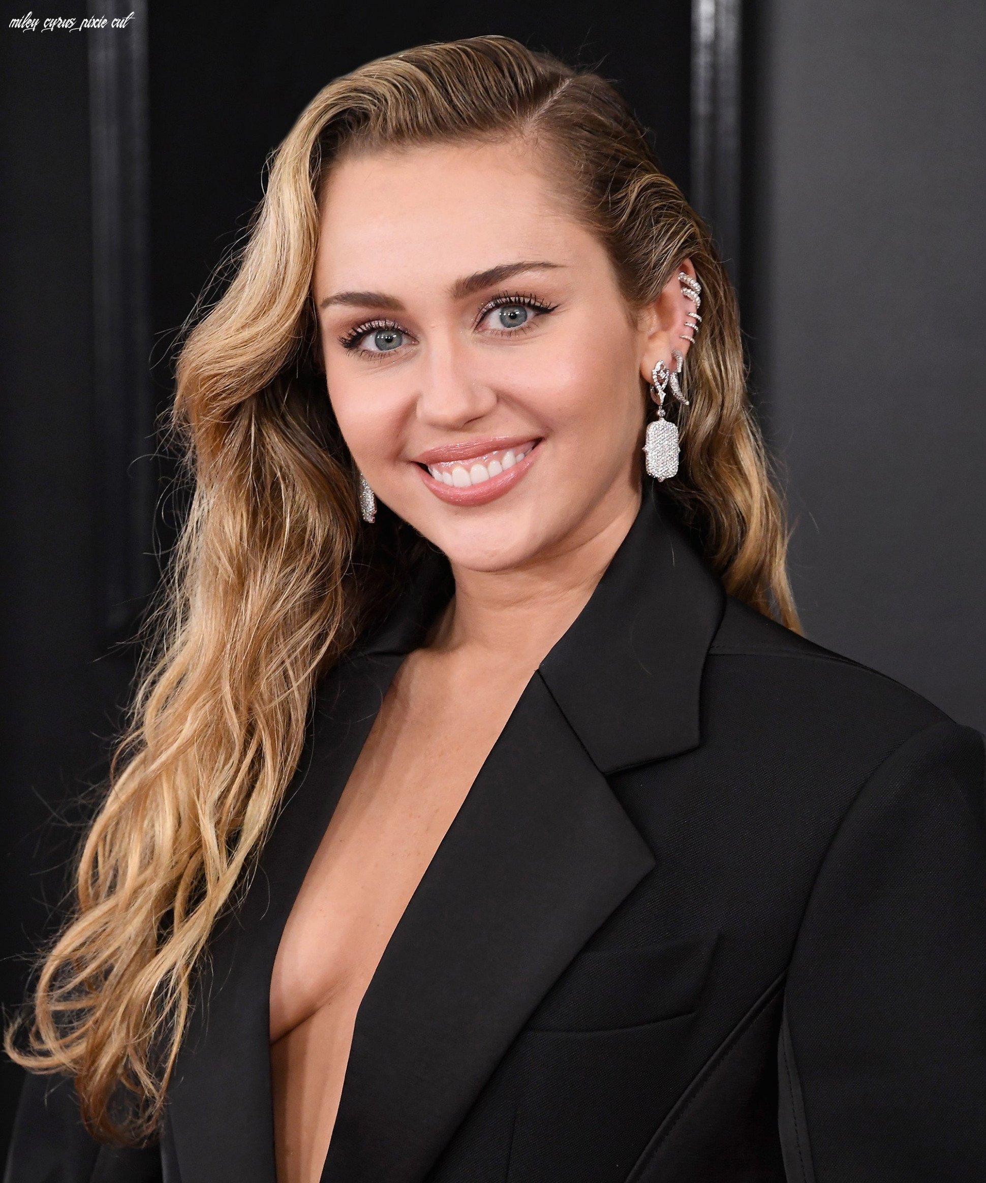 Miley cyrus got a pixie mullet haircut from mom tish miley cyrus pixie cut