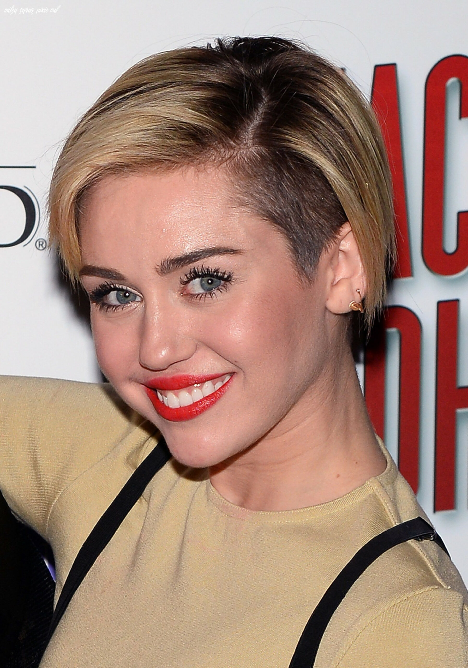 Miley cyrus shows us how to really grow out a pixie | miley cyrus