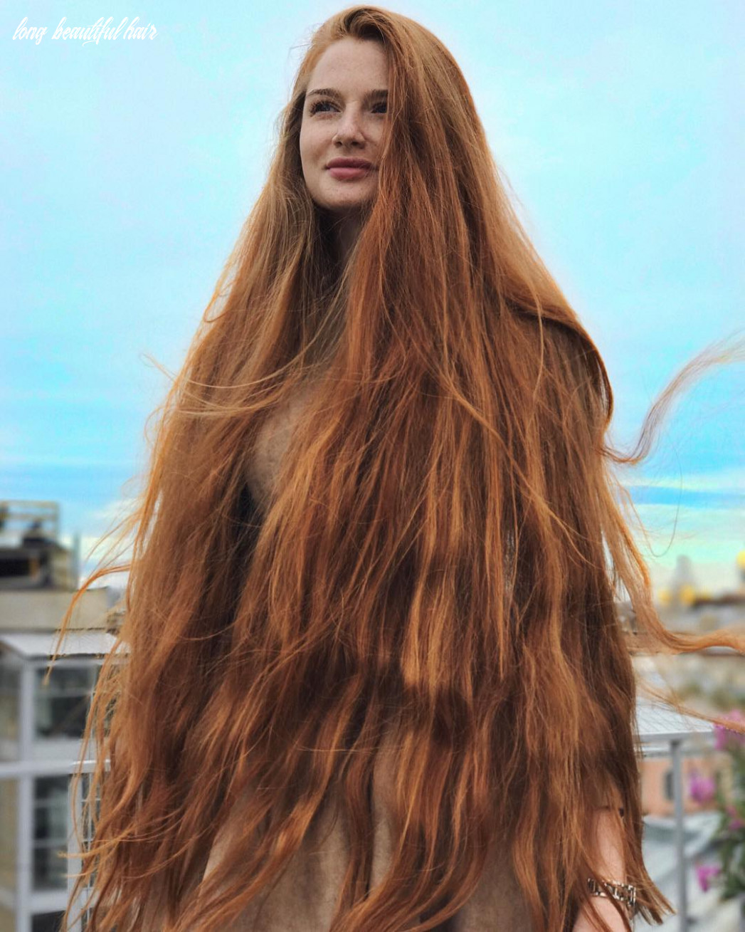 Russian Woman Who Suffered From Alopecia Now Has Beautiful Long Hair