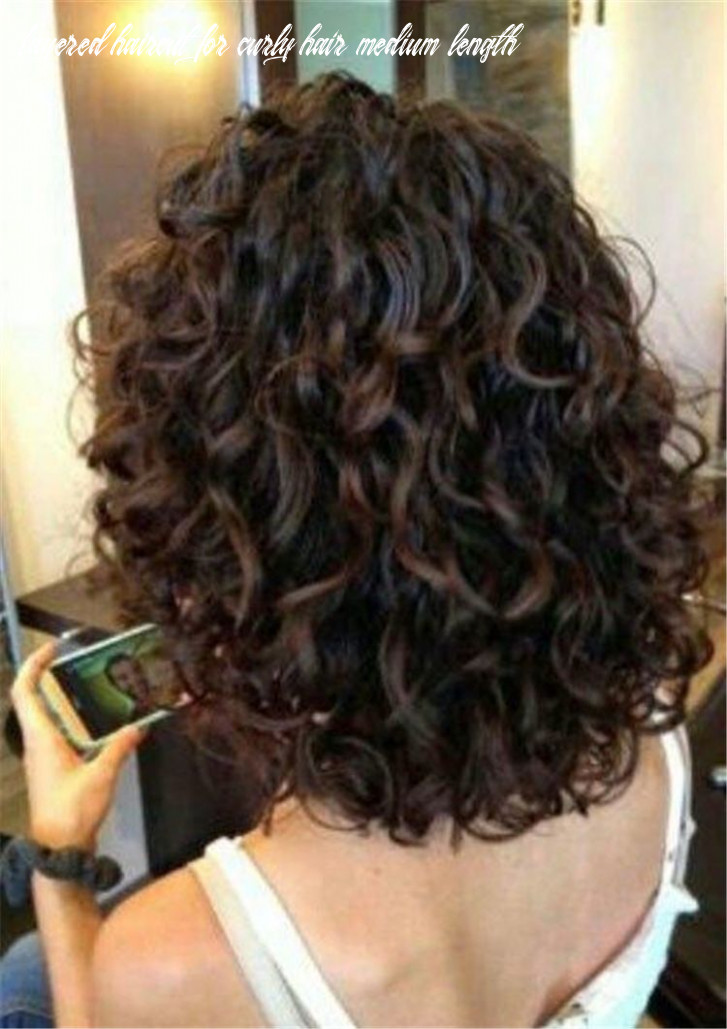 Short curly thick hairstyles trend in 8 in 8 | curly hair