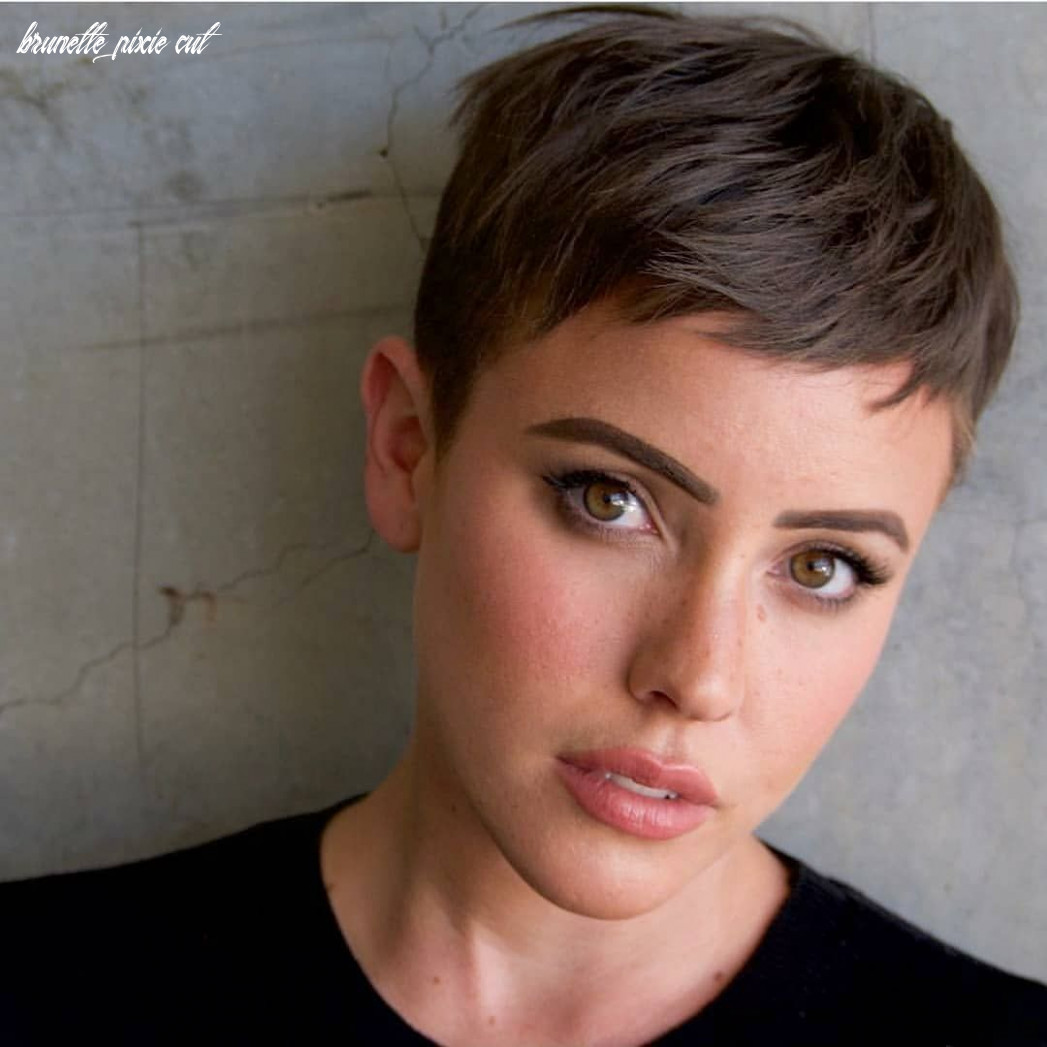 Stay on trend this summer this brunette pixie with messy beach