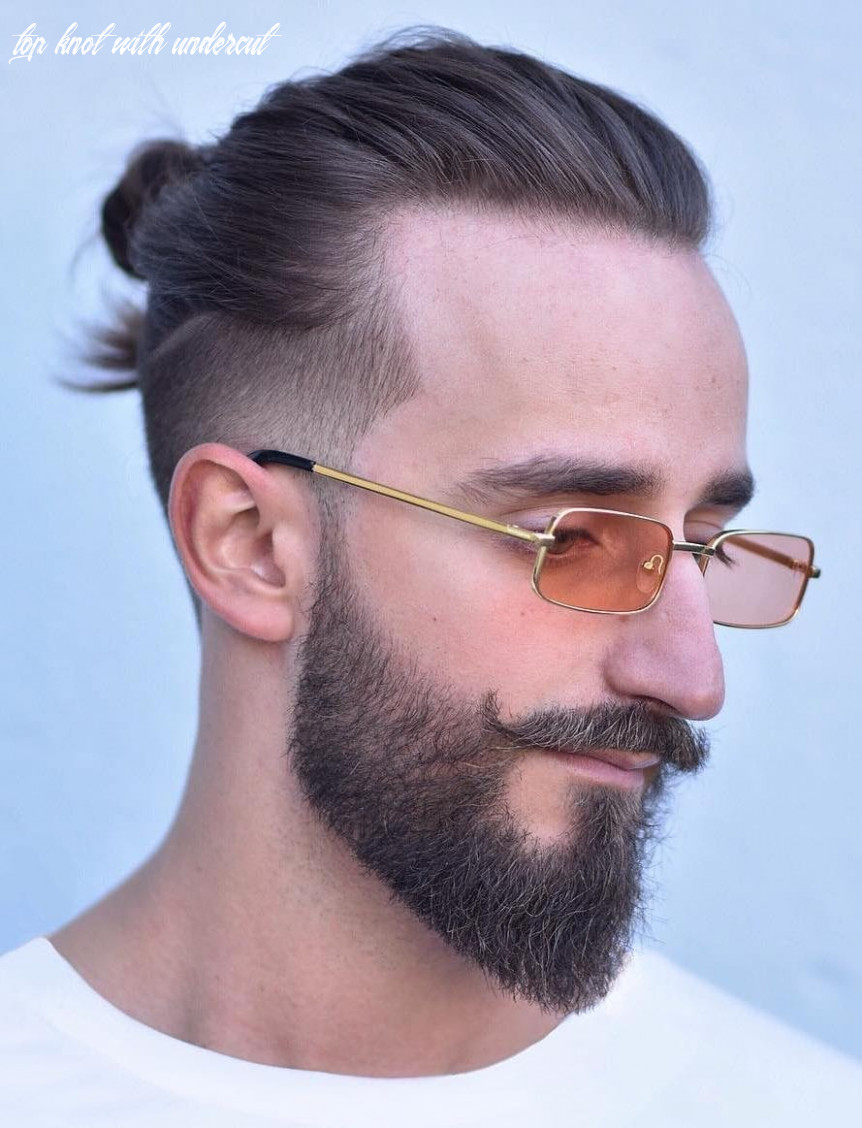 The Top Knot Hairstyle - Visual Guide for Men (11 Different Styles)