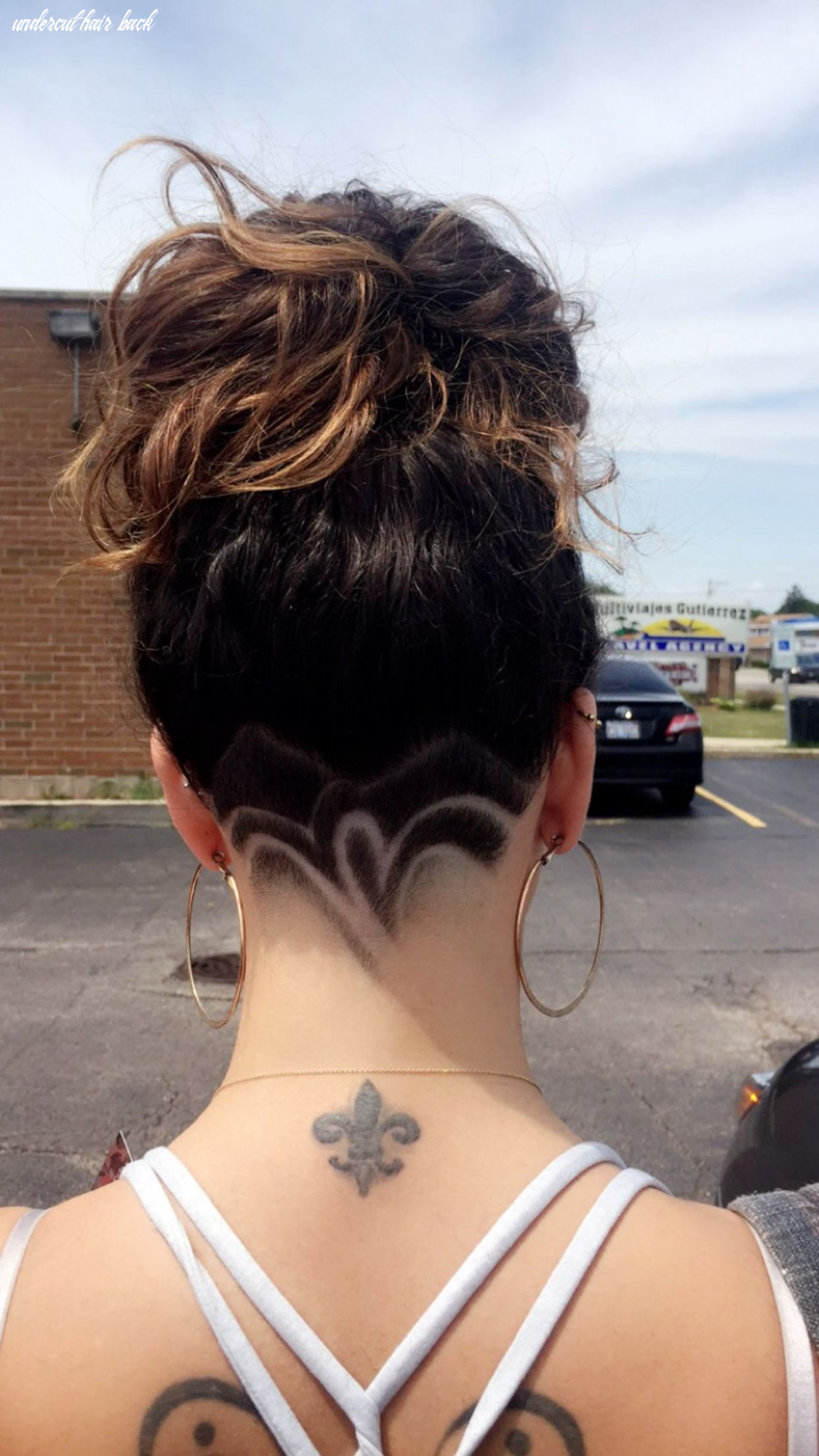 Undercut hair design More | Frisuren, Haarschnitt, Haarschnitt kurz
