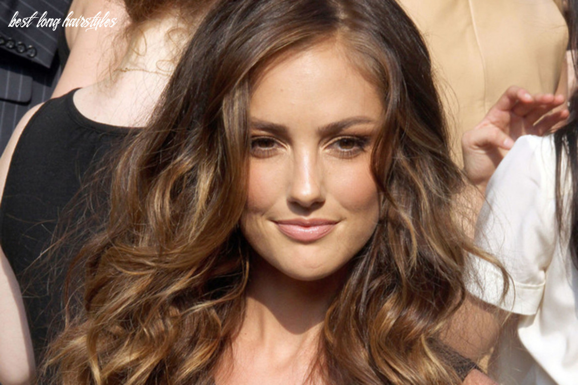 Wavy Hairstyles: Best Cuts and Styles for Long, Naturally Wavy ...