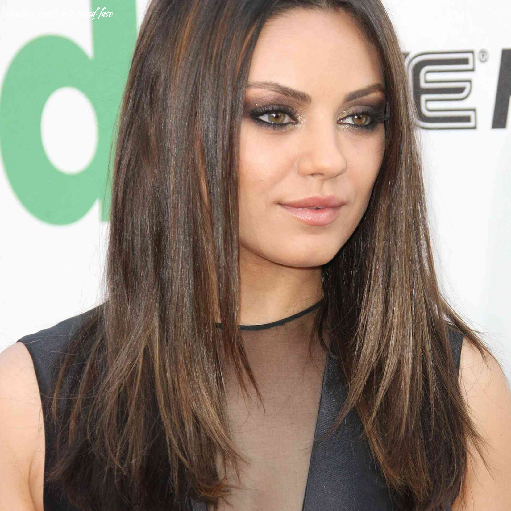 10 flattering hairstyles for round faces shoulder length hair round face