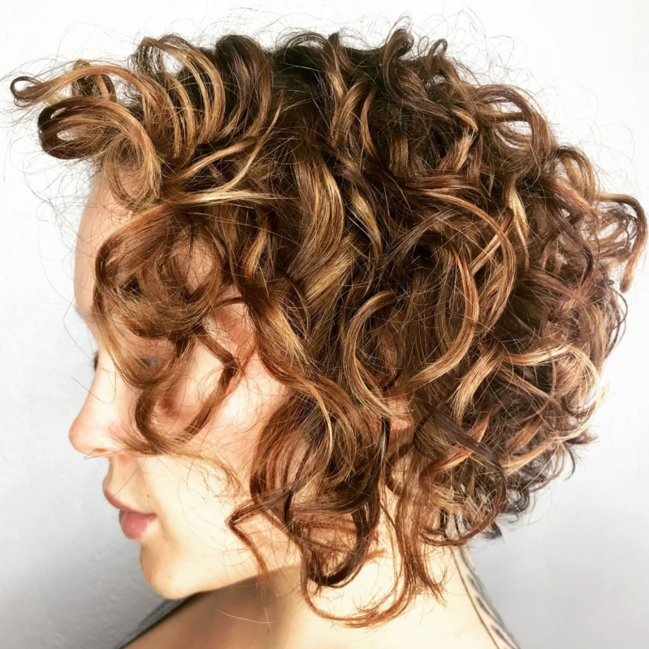 10 most delightful short wavy hairstyles | curled bob hairstyle