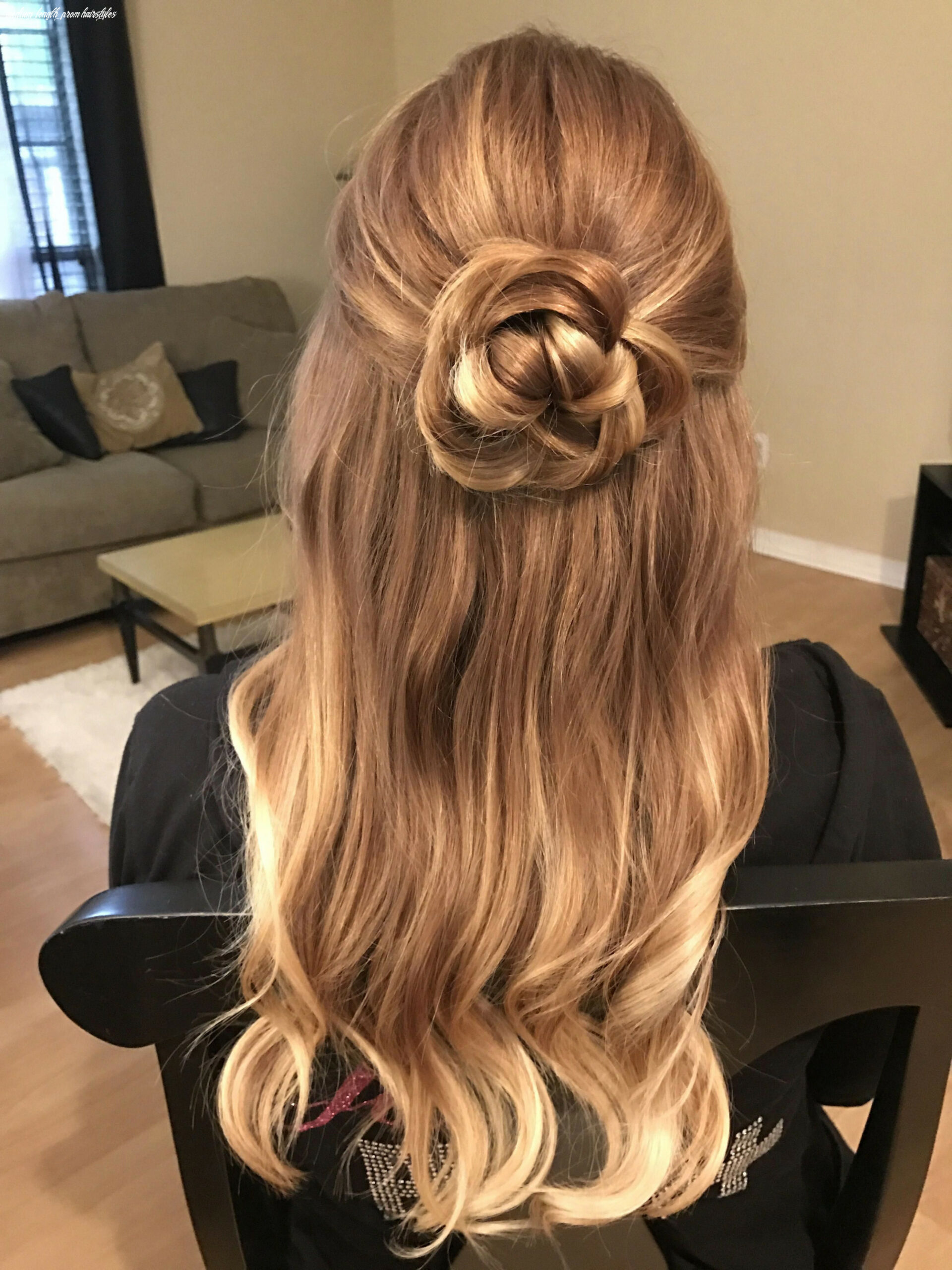 10 Perfectly Gorgeous Down Hairstyles for Prom   Loose curls ...