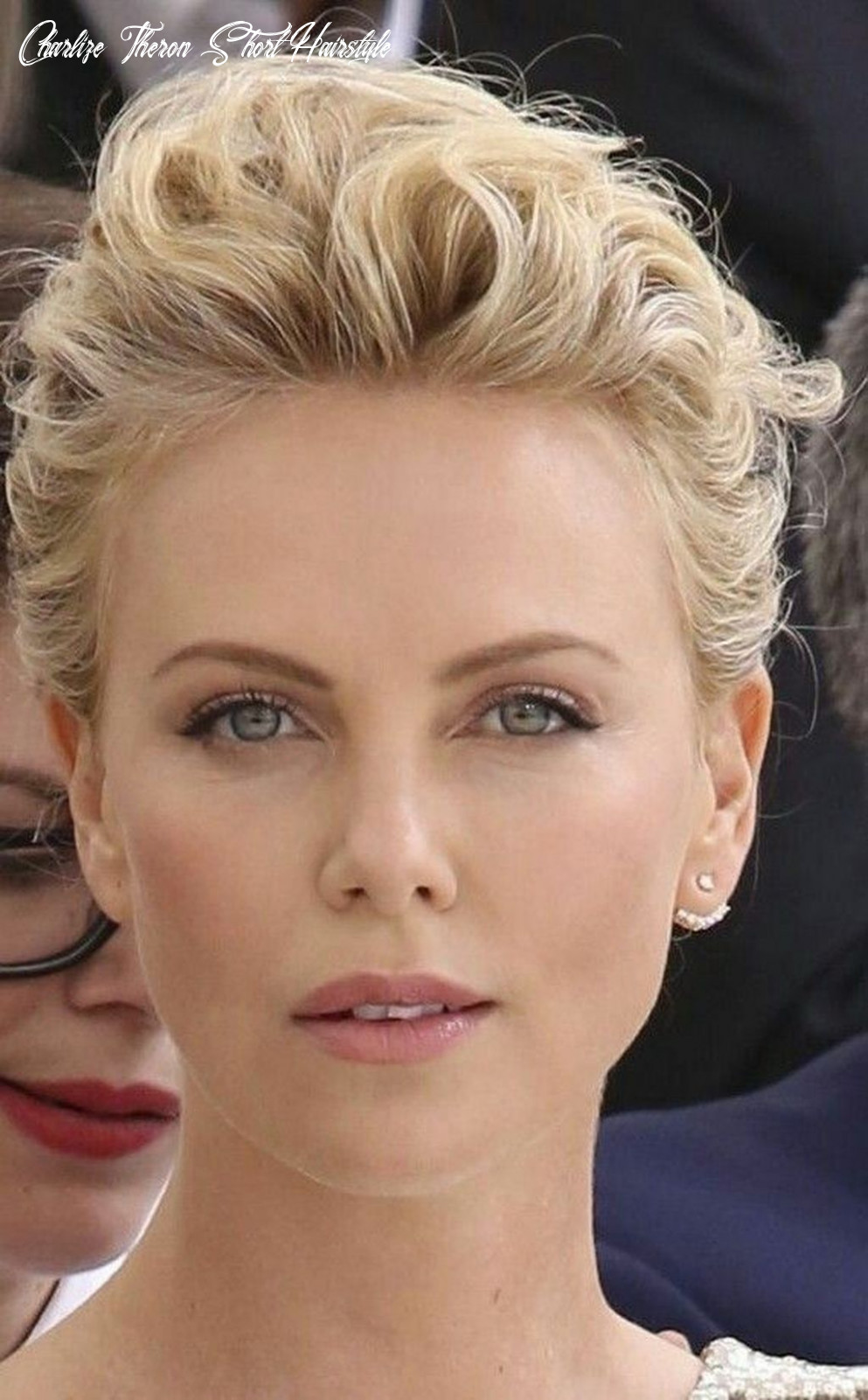 11 best charlize theron short hairstyle ideas that looks so cute
