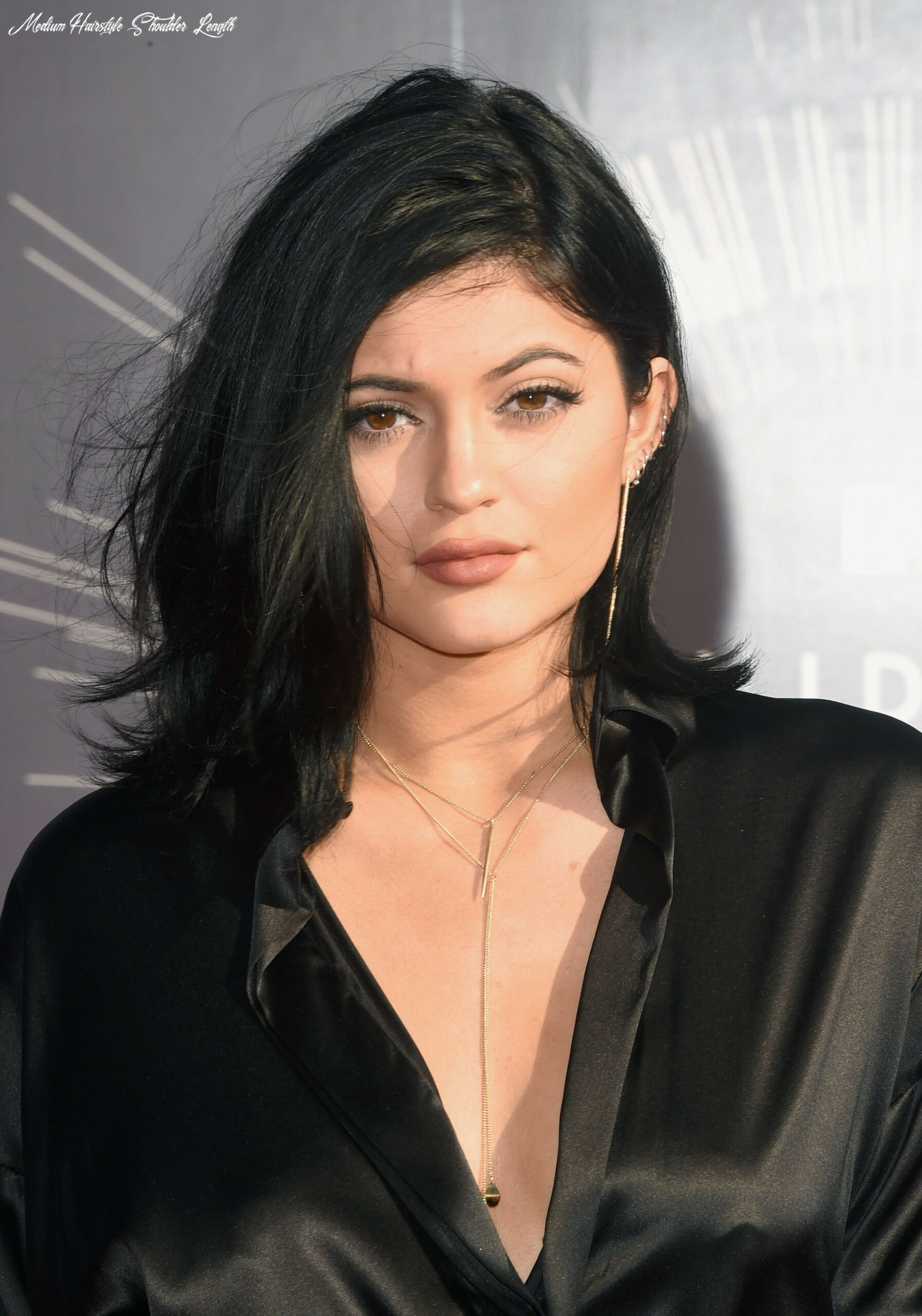 11 best medium length hairstyles, haircuts, and hair ideas for 11 medium hairstyle shoulder length
