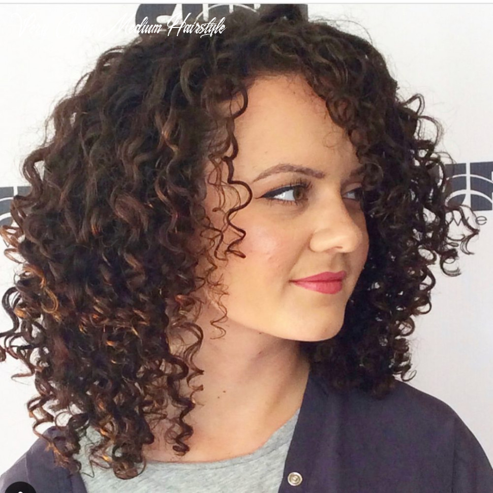 11 best shoulder length curly hair ideas (11 hairstyles) very curly medium hairstyle