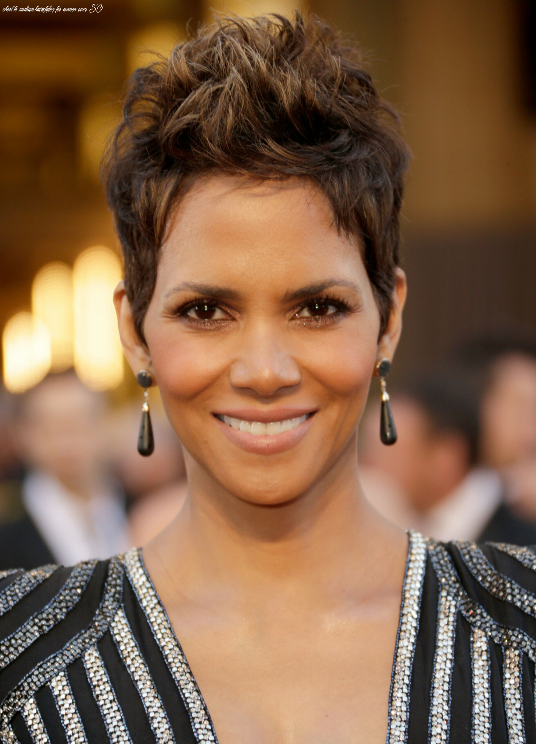 11 Classic and Cool Short Hairstyles for Older Women