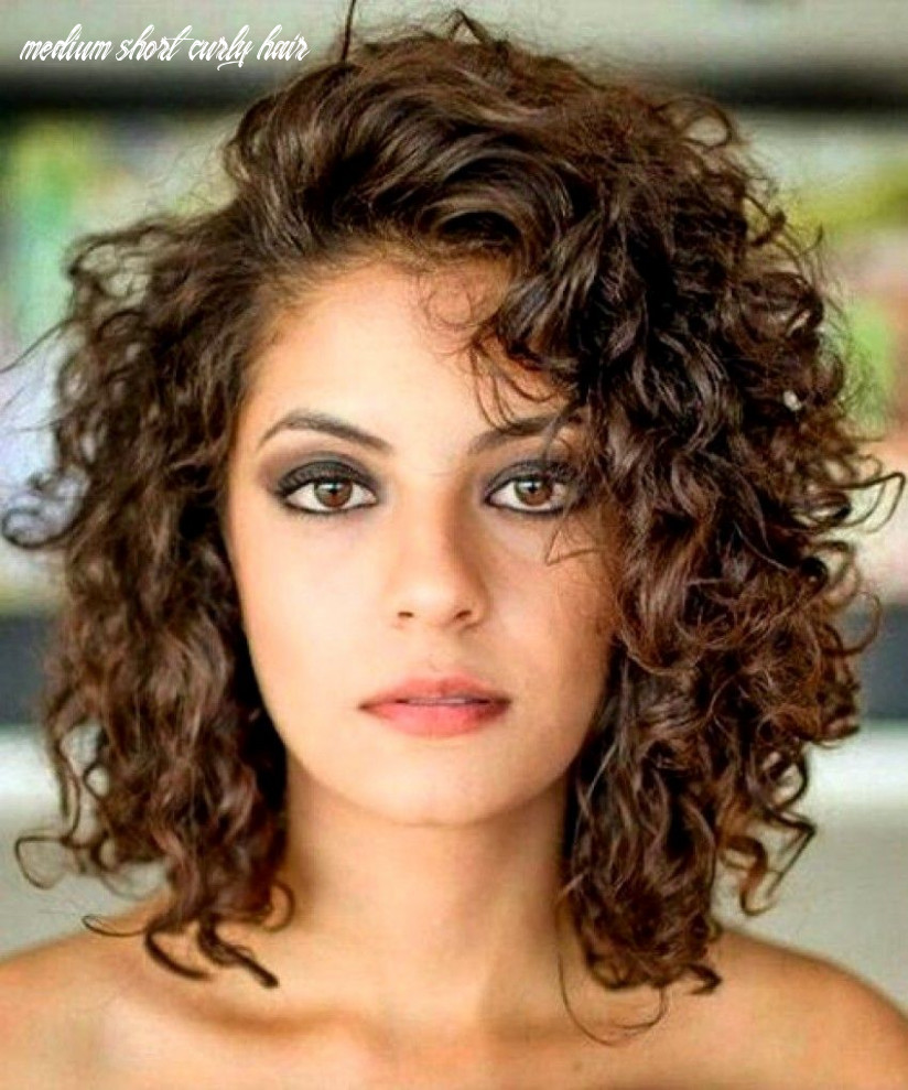 11 Glamorous Mid Length Curly Hairstyles for Women | Curly hair ...