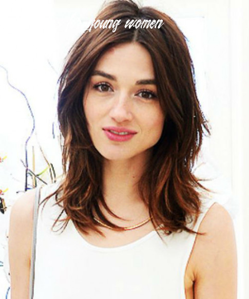 11 of the excellent center parted medium hairstyles for women to