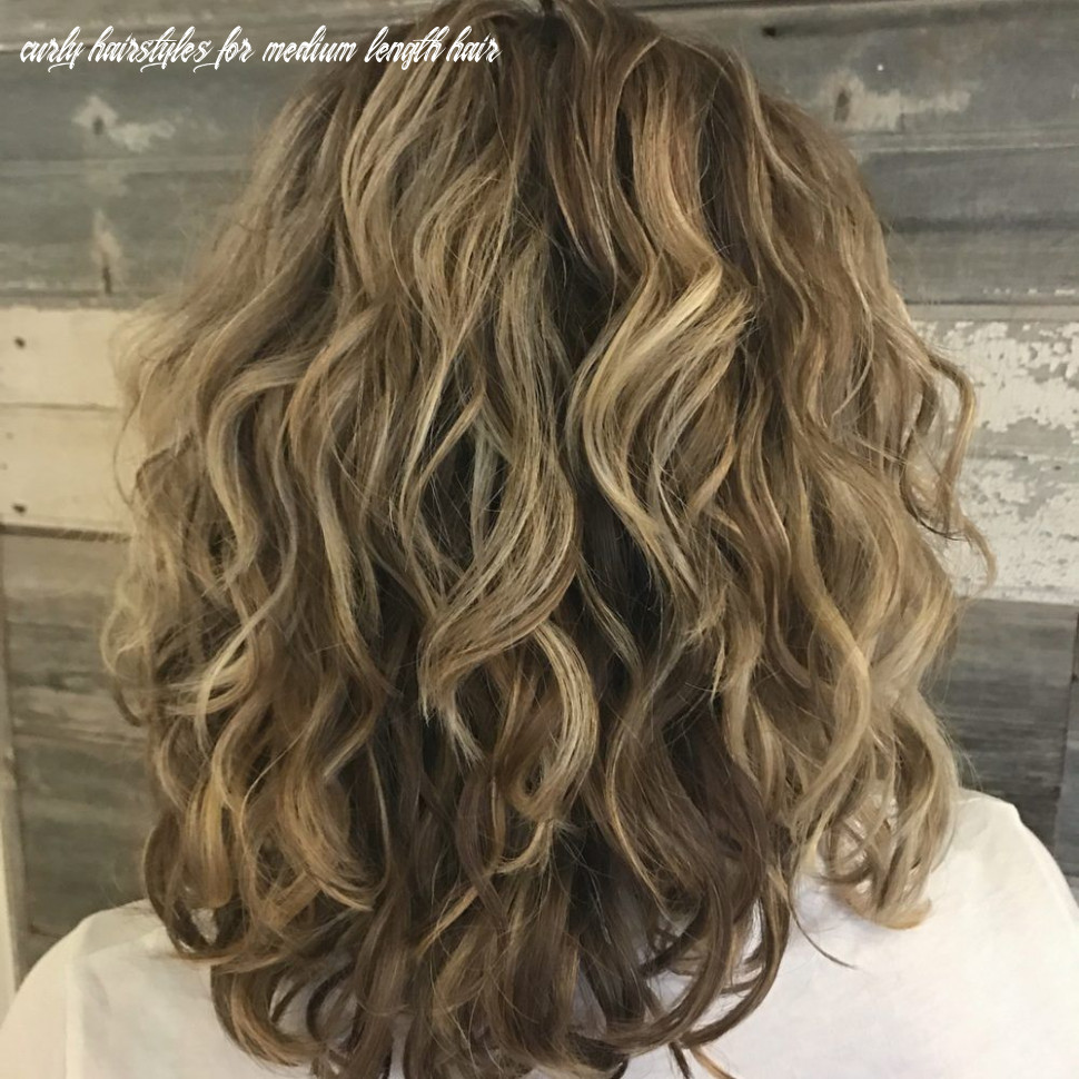 12 best shoulder length curly hair ideas (12 hairstyles