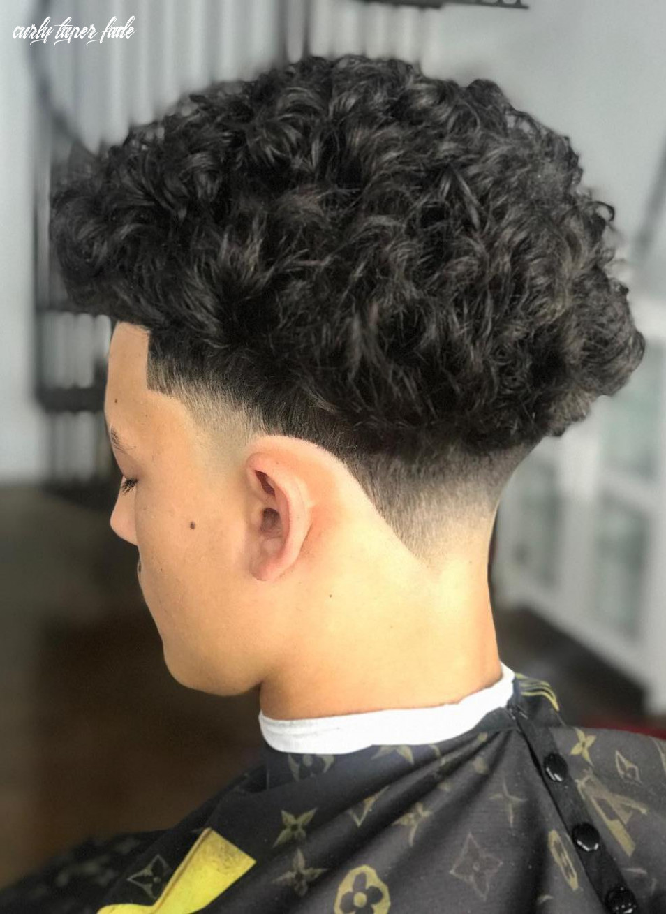 12 trendy mens taper fade hairstyles to try in 1219   hairdo hairstyle curly taper fade