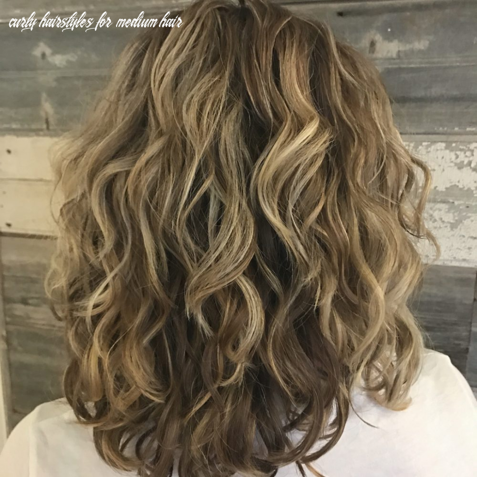 8 best shoulder length curly hair ideas (8 hairstyles