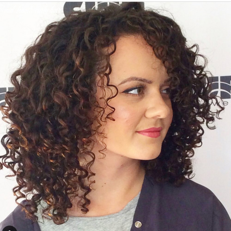 8 best shoulder length curly hair ideas (8 hairstyles) mid length curly hair