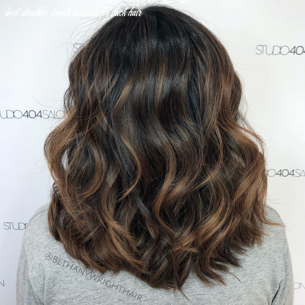 8 Haircuts for Thick Wavy Hair to Shape and Alleviate Your ...