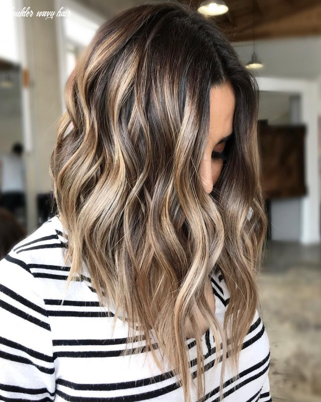 8 top shoulder length hairstyles wavy hair, women medium