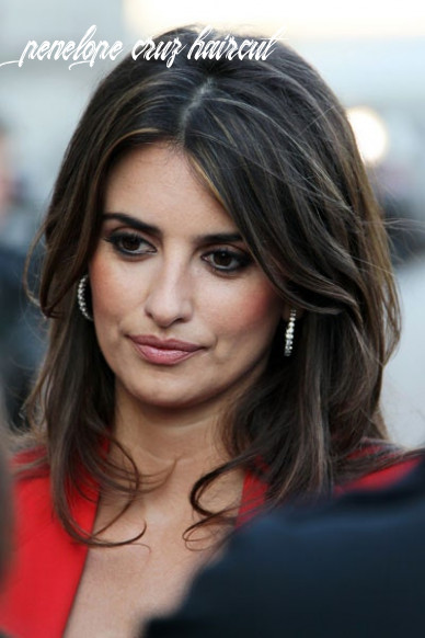 A simple hair trick to steal from penelope cruz | glamour penelope cruz haircut