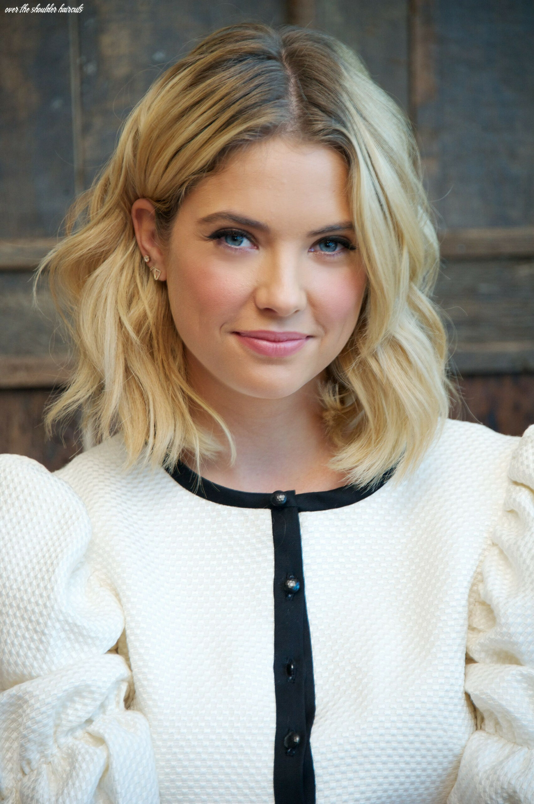 Best shoulder length hairstyles that will suit every face type