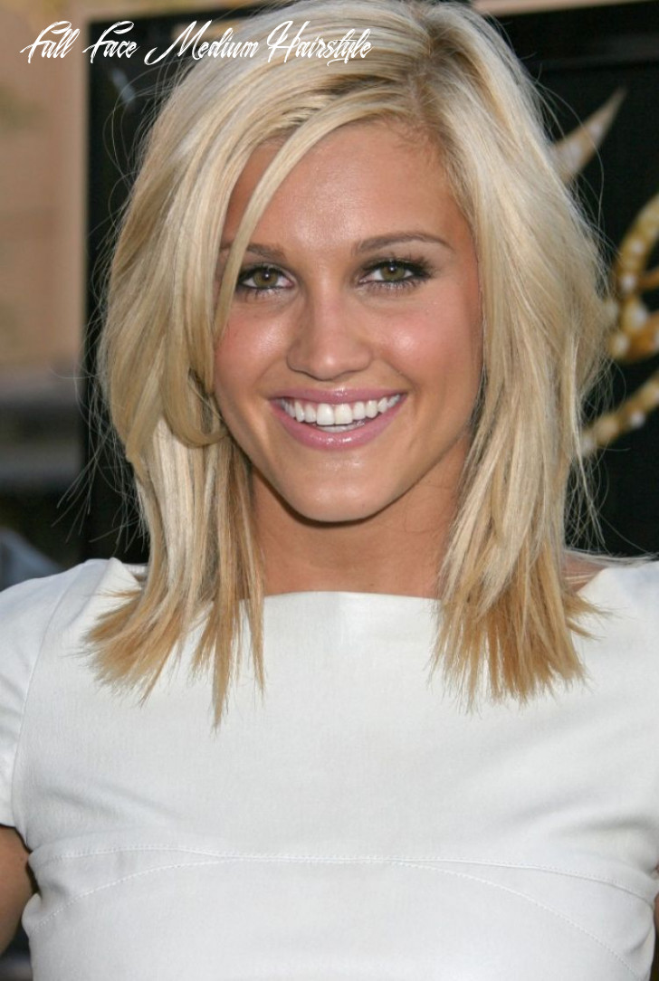 Cute medium length hairstyles for blonde hair and oval face shape
