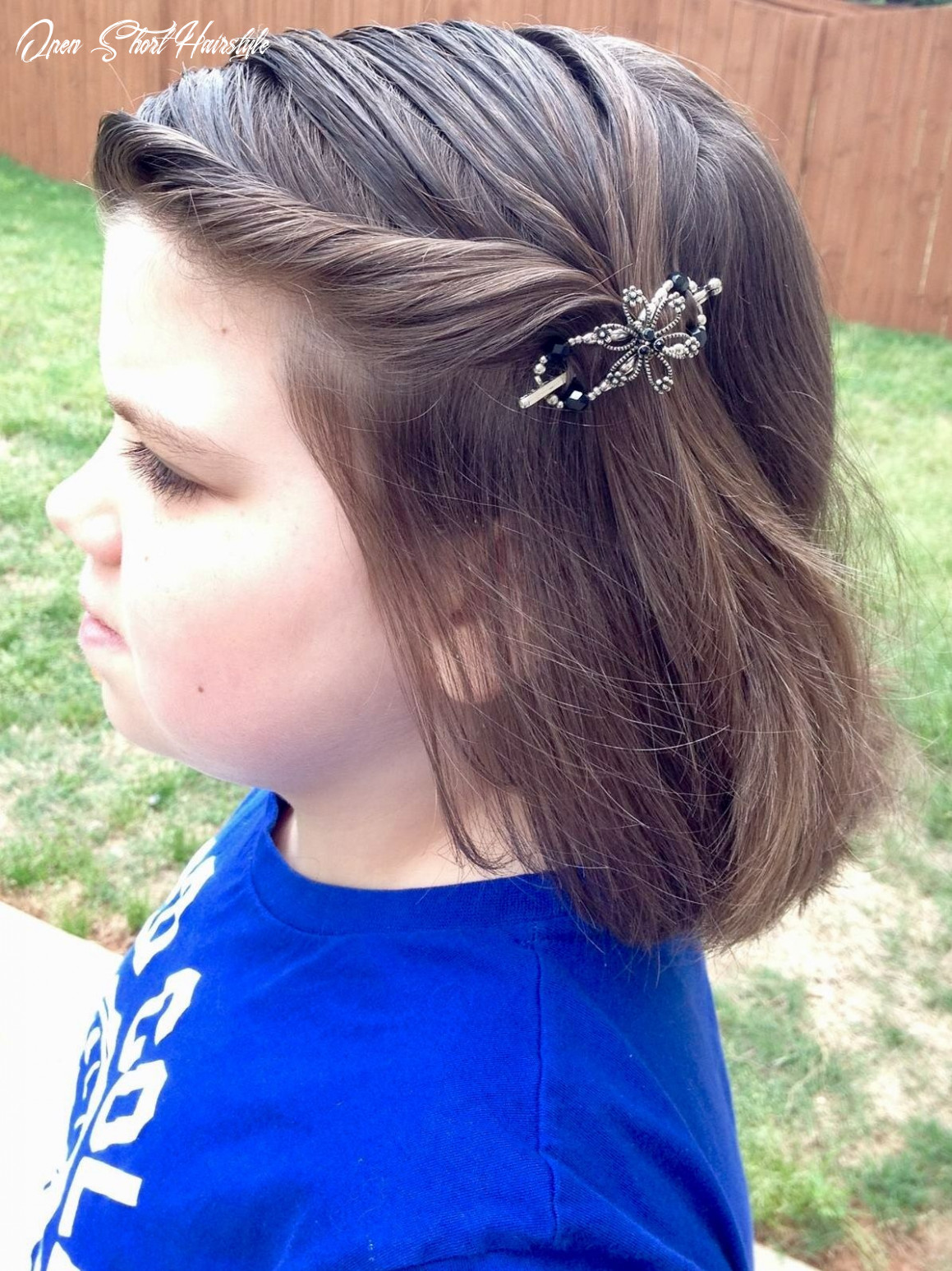 Cute short hair style idea with the open flower flexi clip from