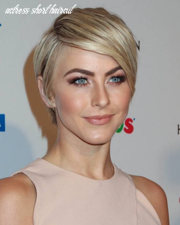 Famous actress short blonde hair   thick hair styles, julianne