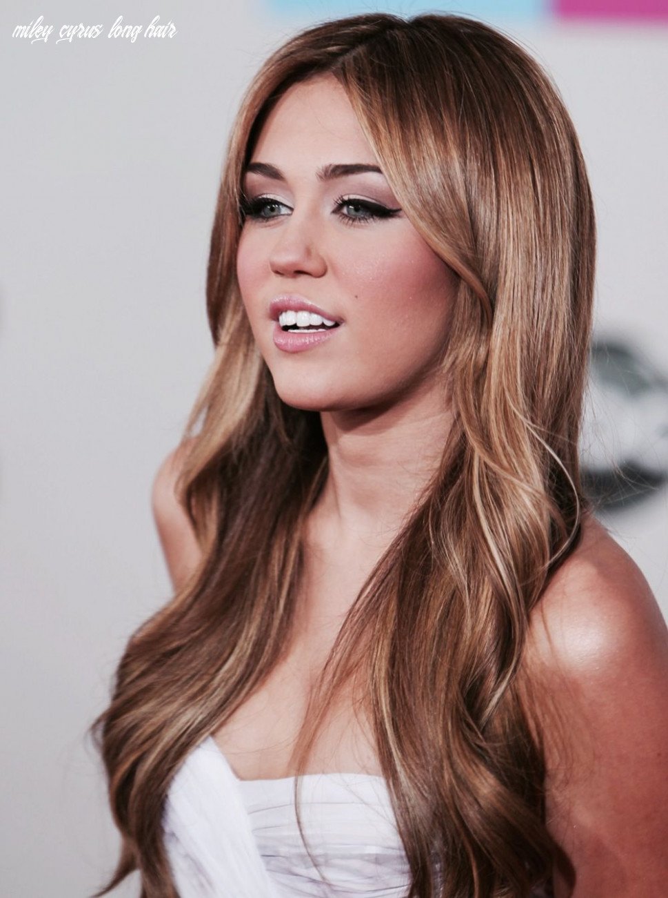 Hair color, maybe with a little more blonde highlights   frisuren