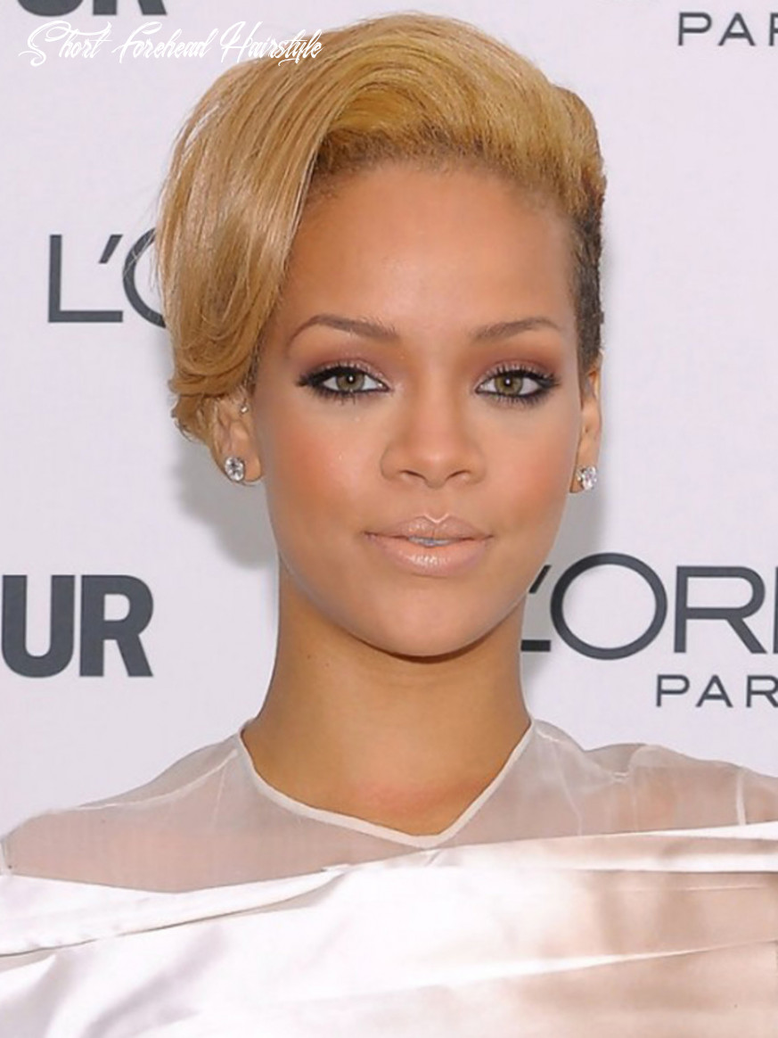 Haircut for small face: best hairstyles for a small forehead and