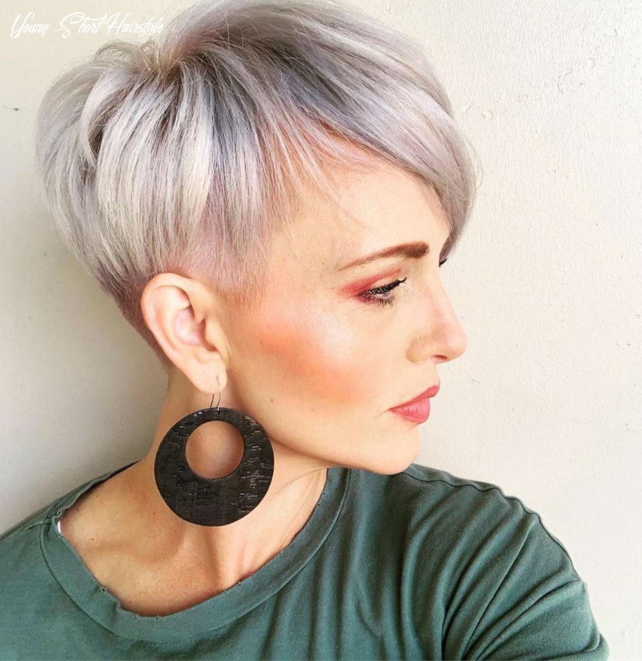 Haley Young Short Hairstyles - 10 - Likeeed