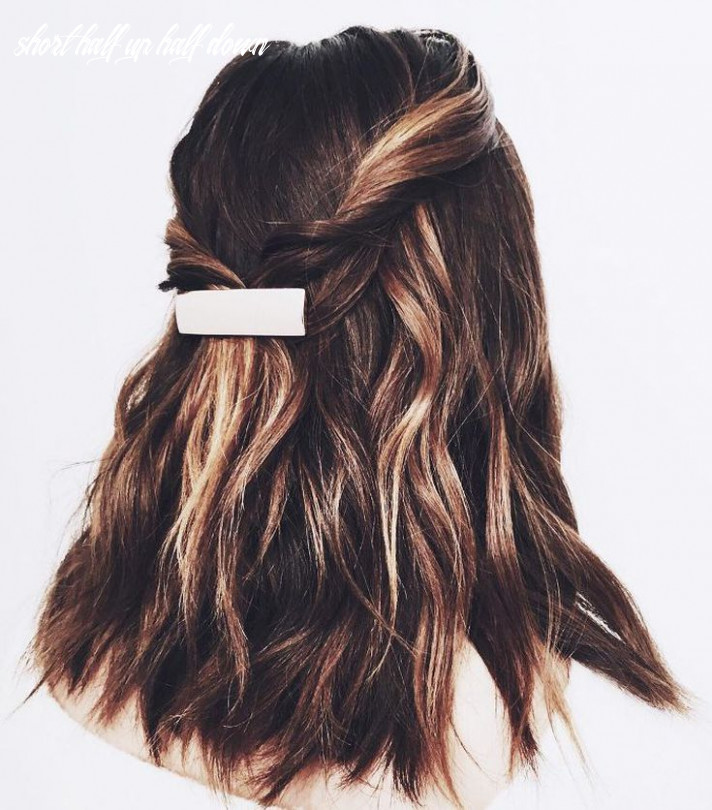 Half up, half down hair ideas that are perfect for lazy days short half up half down
