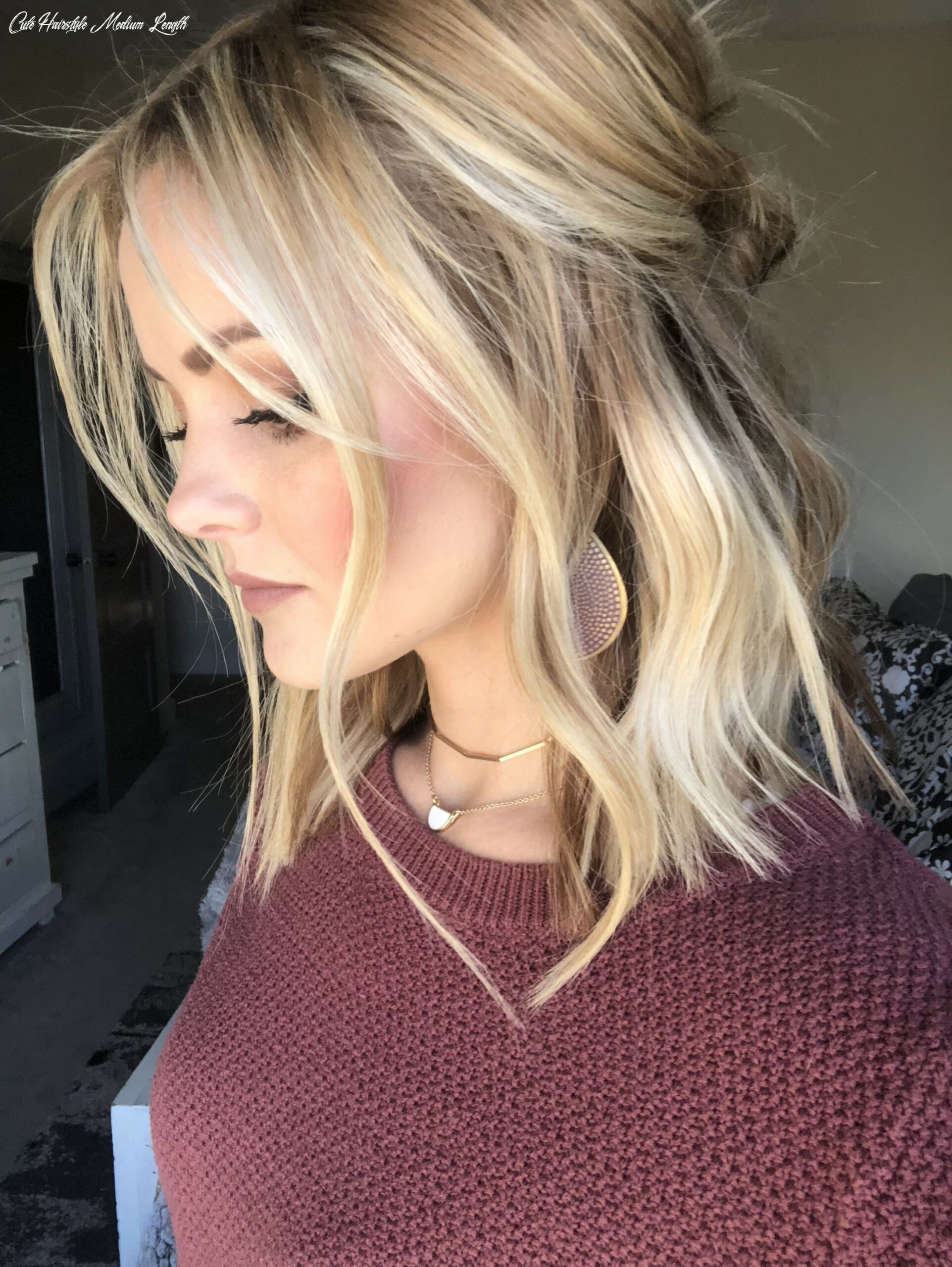 Half up wavy medium length hairstyle | Blonde lob hair, Cool ...