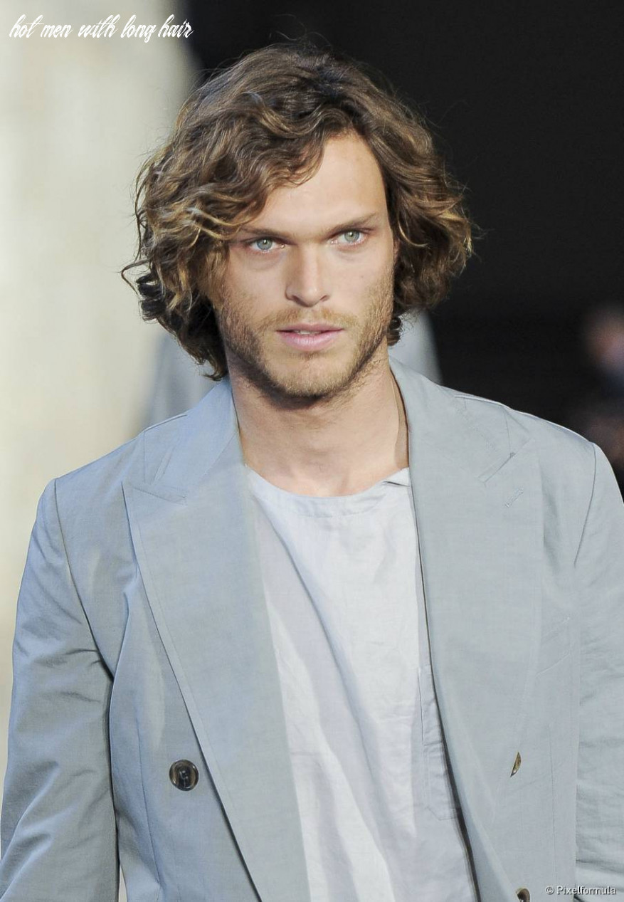 Hottest hairstyles for men with long hair hot men with long hair