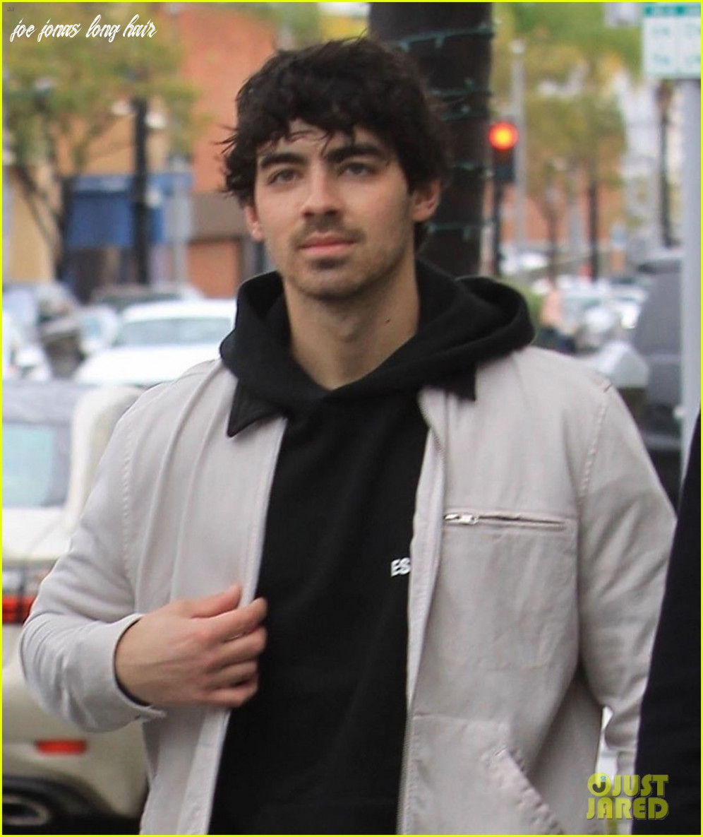 Joe jonas hangs out with brother kevin in beverly hills: photo
