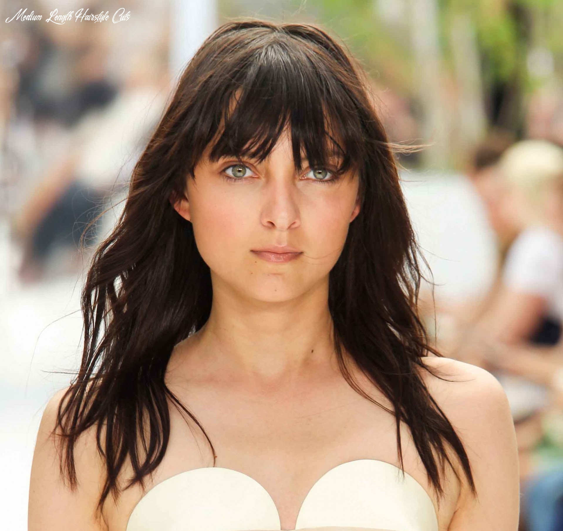 Medium length hair cuts that will add oomph to fine hair medium length hairstyle cuts