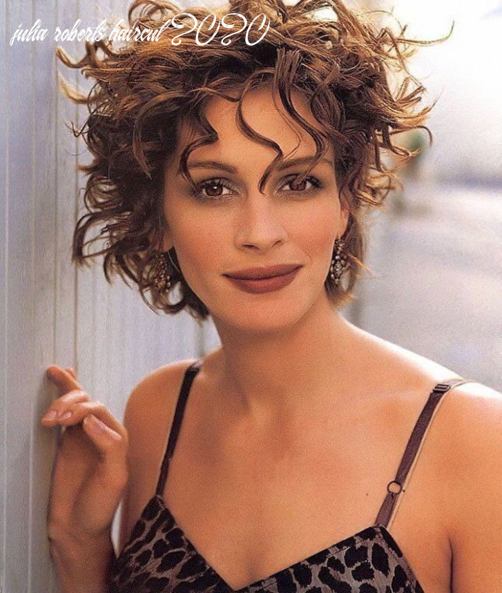 Never seen julia roberts with short hair i like it it shows off