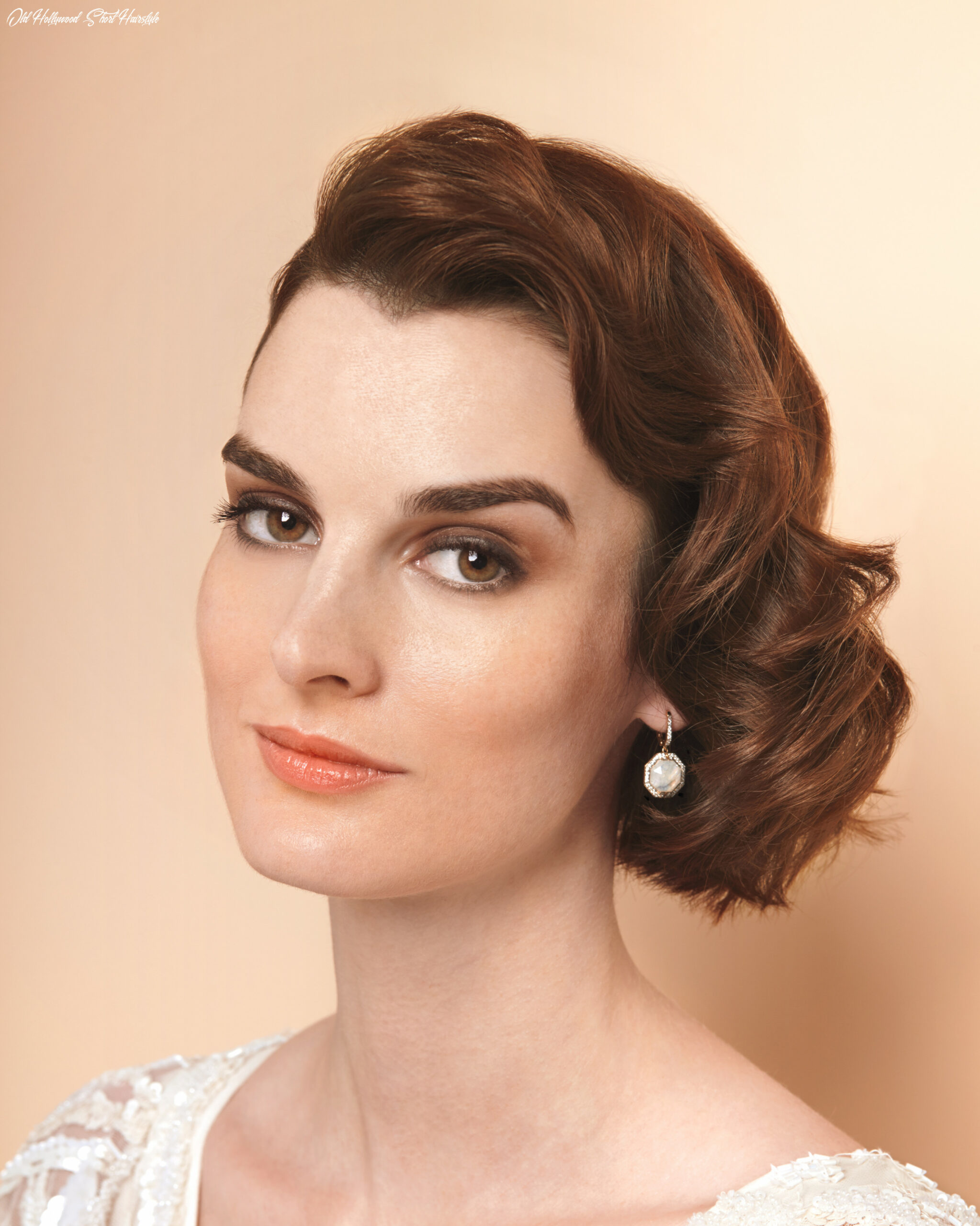 Old hollywood waves short wedding hairstyle | martha stewart weddings old hollywood short hairstyle
