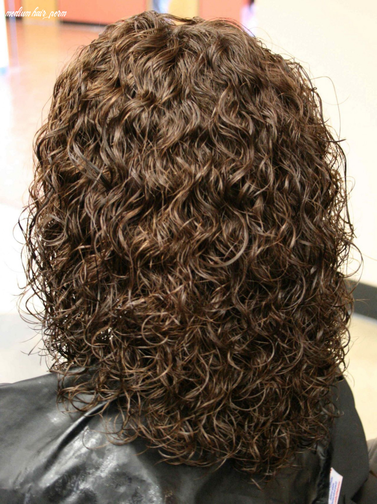 Perms for medium length hair | spiral perm hairstyles on medium