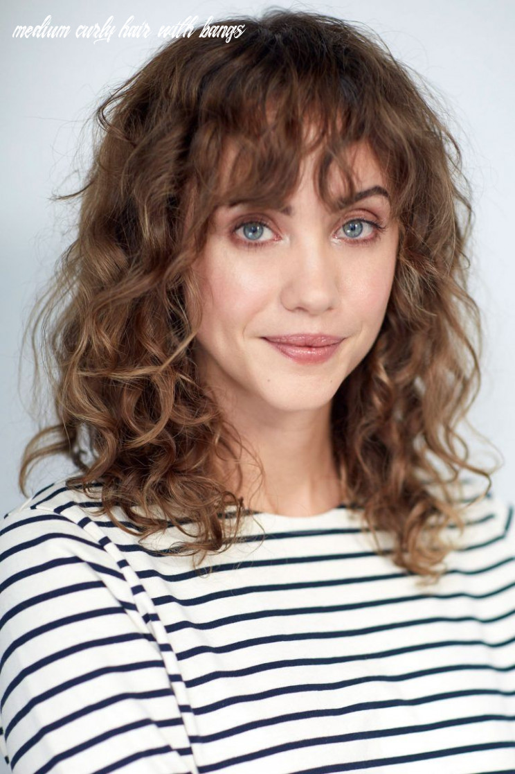 Pin on faces medium curly hair with bangs